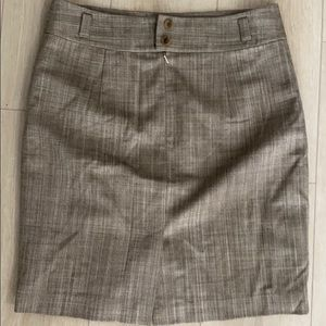 Banana republic Pencil skirt (brand new)-size 8